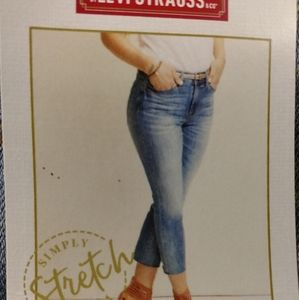 Levi Strauss woman's cropped pants size 16 new